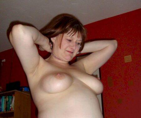 Coquine sexy réellement chaude recherche un homme réservé