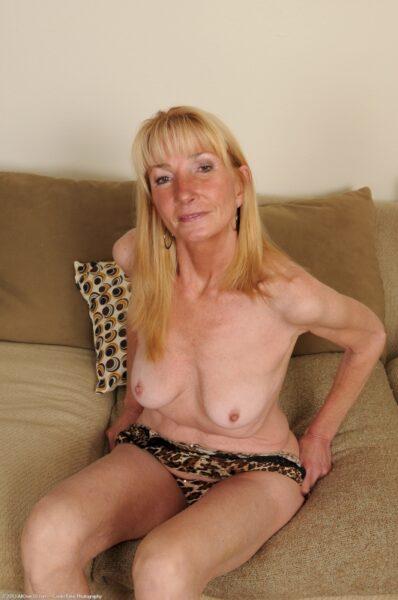 Femme cougar vraiment très mignonne cherche un mec expérimenté