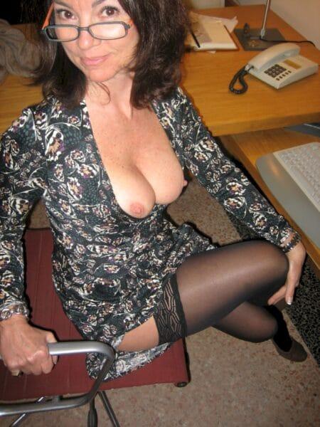 Femme mature dominatrice pour amant docile