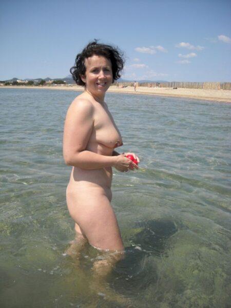 Femme sexy dominatrice pour coquin soumis