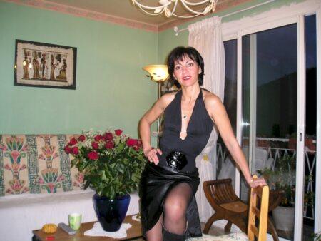Femme sexy réellement sexy cherche un gars impudique